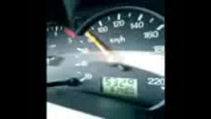 15 Годишно Лапе Кара Със 180 км/ч Ford Focus
