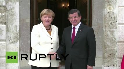 Turkey: Merkel meets PM Davutoglu to discuss Syria and refugee crisis