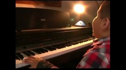 7 - годишно дете в Боливия смайва с невероятните си музикални умения