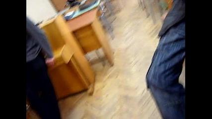 B класната стая ( Xll b ) **2010**