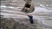 здраво е нагазил в калта