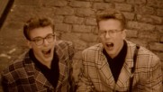 The Proclaimers - What Makes You Cry (Оfficial video)