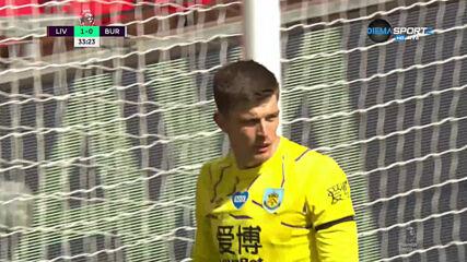 Великолепен удар с глава на Робъртсън даде преднина на Ливърпул