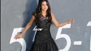 Selena looks so perfect.
