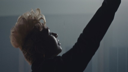 Emeli Sandé - Breathing Underwater (Оfficial video)