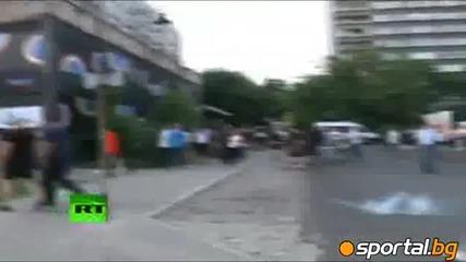 Десетки ранени и арести след сблъсъци между ултрасите на Полша и Русия във Варшава! *12.06.2012г.*