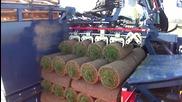 Специализиран трактор за вадене на тревен чим