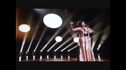 Dame Shirley Bassey - Goldfinger ( Live at 85th Oscars 2013 )