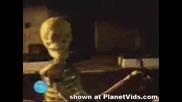 Скрита Камера - Скелет Плаши Хората