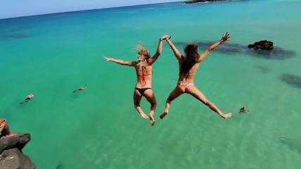 Лятно забавление - Страхотни скокове във вода от скала ..