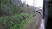 Влак Бв7622 се разминава с друг влак малко преди Мездра Юг