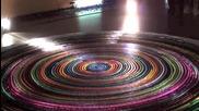 Световен рекорд по най-много домино във формата на спирала 30 000