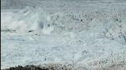 Разкъсване На Най - Големия Айсберг Сниман Някога!