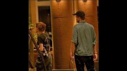 Robert Pattinson and Kristen Stewart Kissing In Montreal!