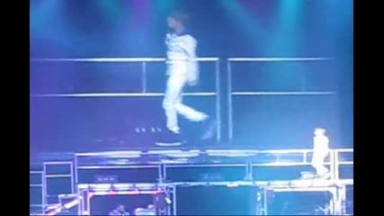 Justin Bieber - Bigger на живо 20.07.2010 - Nokia Theater in Los Angeles July