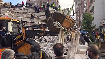 Turkey: Buildings collapse in Seferihisar after deadly 7.0-magnitude earthquake hits