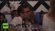 Русия: Проведе се състезание по скоростно пиене на шампанско в Москва