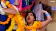 Сандия и Сурадж на партито за бебето на Мена