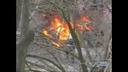 Ужас!! Кола се самозапали на метри от жилищен блок в Бургас