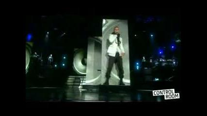Madonna Ft. Justin - 4 Minutes Live