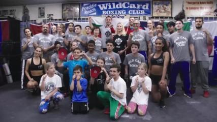 Кобрата зарадва деца от българската общност в Лос Анджелис