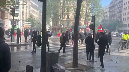 France: Police use water cannon at pro-Palestine protest in Paris