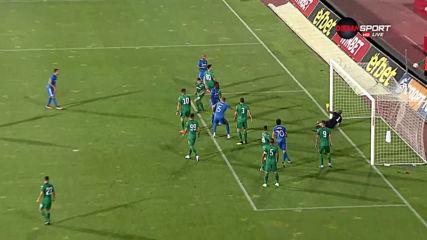 След асистенцита на Робърта се стигна и до негов гол и 4:0 за Левски