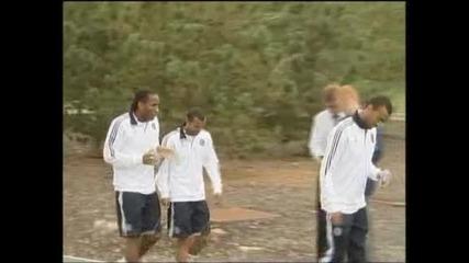 Дрогба остава в Челси