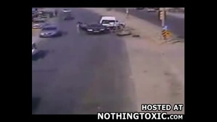 Пешеходец Убит От Кола Извън Контрол