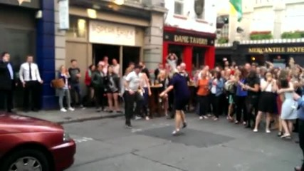 Daft Punk's hit song, 'get Lucky' - Такси танци