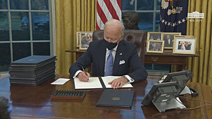 USA: Biden signs first executive orders after taking office as president