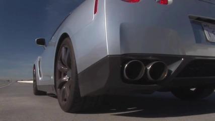 Nissan Gt - R Vs Bentley Continental Super