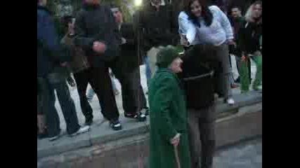 Баби Танцуват На Техно