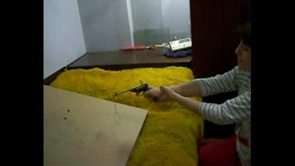 Тест На Пистолет Срещу Насекоми 2.
