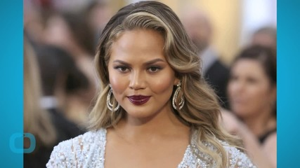 Chrissy Teigen Vents About Being Called Racist Slur, Model Gets Twitter Support From Mindy Kaling