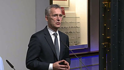 Germany: NATO chief Stoltenberg and German defence minister praise 'transatlantic bond'