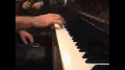 Ismail Yk Piano Calarken