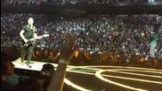 Китаристът на U2 се издъни на концерт във Ванкувър, Канада