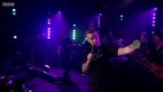 Robbie Williams - Supreme (live At Bbc Radio 2 2016)