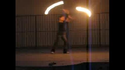 Сиси Върти Огън [f4] www.f4-bg.com