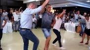 Една хубава българска сватба и едно хубаво българско хоро !