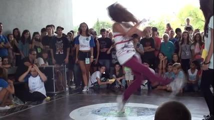 Анжела Георгиева в хип хоп битките на Биф 2013