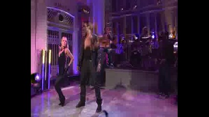 Usher - Love In This Club [live At Snl]