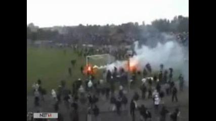 futbolni xuligani zbivane na stadion (poland)