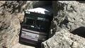 Майсторско преминаване с автобус през тесен тунел