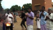 Sri Lanka: Tamils smash 1,008 coconuts to bless Clinton in US elections