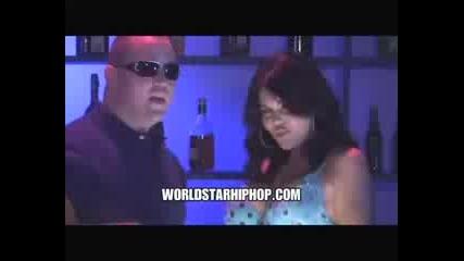 Bubba Sparxx Ft. Ray J - She Got Me Like (aww