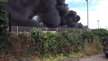 UK: Major fire breaks out at school in Sussex