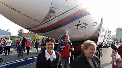 Czech Republic: Vaclav Havel's presidential jet transported 380km… by ROAD