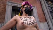 Spain: FEMEN protest gender violence, demand release of Juana Rivas in Madrid *EXPLICIT*